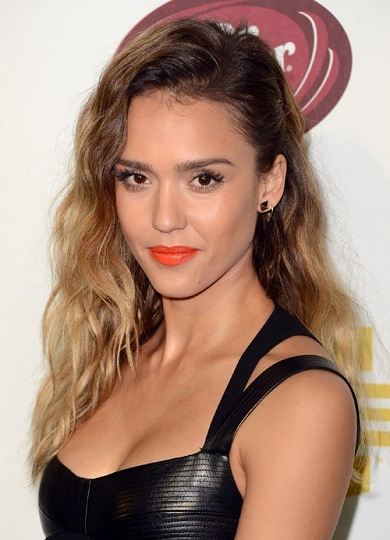 Jessica-Alba-orange-lips-lipstick-birght