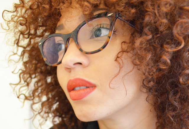 mercredie-blog-mode-beaute-cheveux-afro-hair-nappy-red-rouge-curly-lunettes-glasses-eyeglasses-ray-ban-rayban-5226
