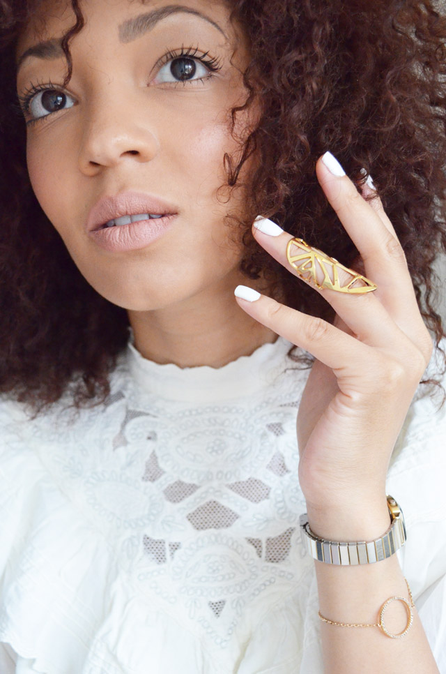 mercredie-blog-mode-beaute-fashion-blogger-switzerland-nude-lipstick-mac-honey-love-curly-hair-curls-nappy-afro-kinky-bague-rita-zia-phallange