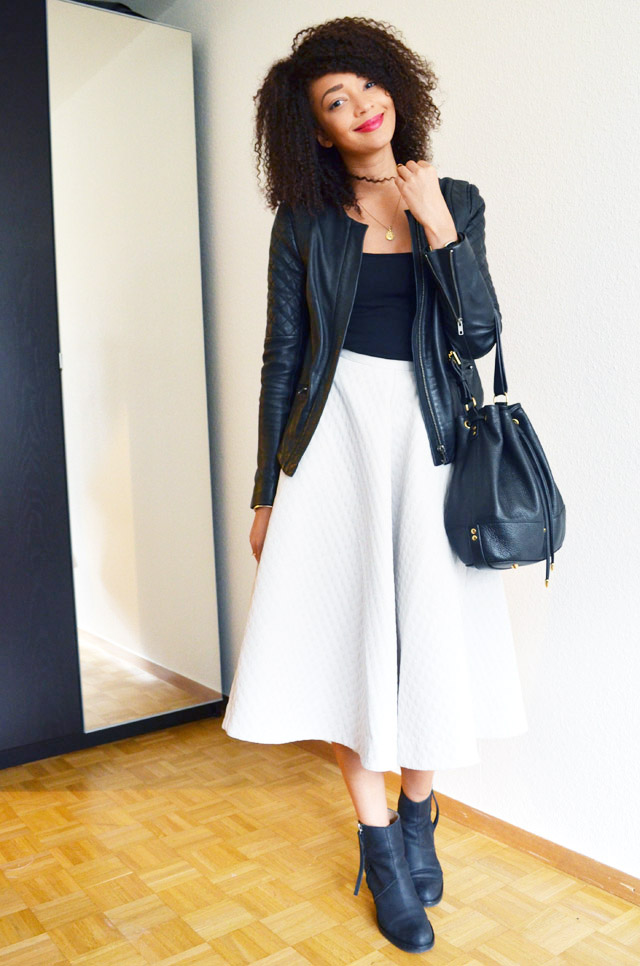 mercredie-blog-mode-jupe-midi-skirt-h&m-jupe-longue-genoux-oversized-body-topshop-pistol-acne-boots-bottines-perfecto-cuir-bel-air