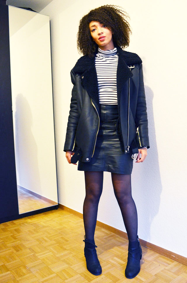 mercredie-blog-mode-geneve-suisse-mariniere-jupe-cuir-leather-skirt-pistol-acne-boots-acne-shearling-jacket-ersatz-stylenanda