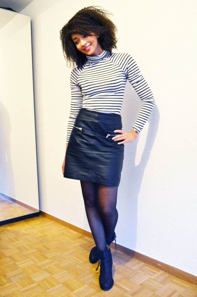 mercredie-blog-mode-geneve-suisse-mariniere-jupe-cuir-leather-skirt-pistol-acne-boots