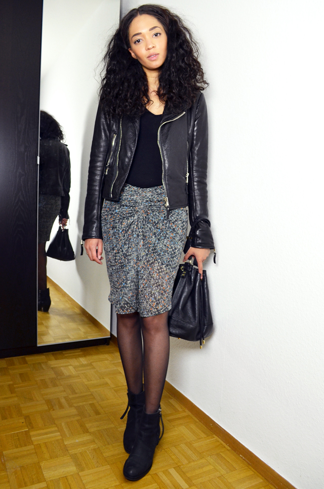 mercredie-blog-mode-suisse-geneve-fashion-blogger-bloggeuse-blogueuse-jupe-soie-isabel-marant-pour-hm-look-outfit-inspiration-skirt-silk-2013-balenciaga-perfecto-biker-leather-jacket-acne-boots-pistol-bottines-sac-seau-apc-cuir