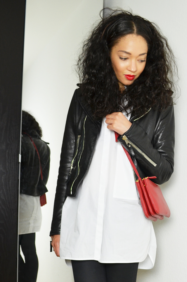 mercredie-blog-mode-geneve-suisse-chemise-blanche-oversized-white-shirt-look-outfit-inspiration-zara-slim-enduit-h&m-balenciaga-biker-jacket-leather-perfecto-celine-trio-bag-red-rouge-sac