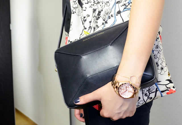 mercredie-blog-mode-geneve-blazer-pretty-wire-h&m-sac-marc-by-marc-jacobs-black-Alex-hands-off-clutch-montre