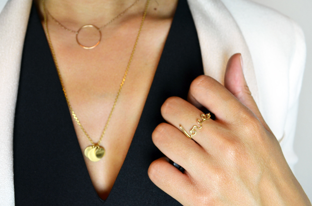 mercredie-blog-mode-geneve-suisse-blogueuse-bloggeuse-top-peplum-frontrowshop-afro-hair-natural-nappy-blazer-bash-yves-rocher-lili-shopping-rouge-a-levres-bague-ring-love-gold2