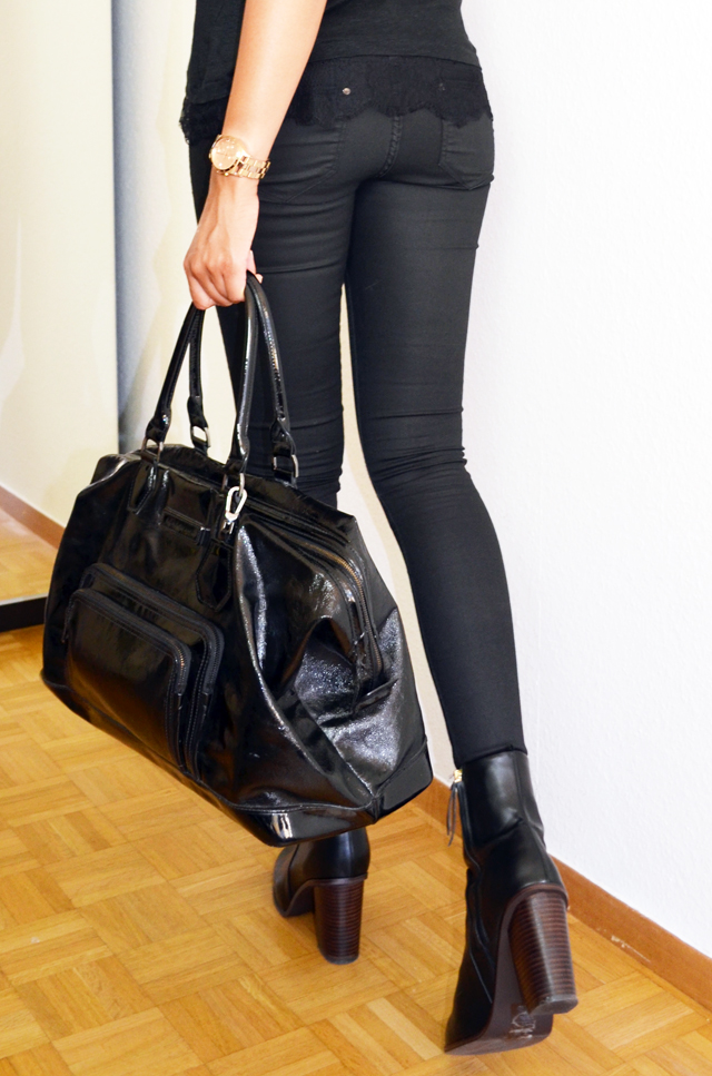 mercredie-blog-mode-bloggeuse-geneve-suisse-slim-all-black-boots-h&m-top-dentelle-zara-sac-longchamp-xl-grand-format-legende