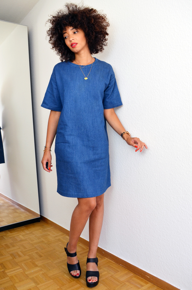 mercredie-blog-mode-geneve-robe-cos-denim-sandales-choies-black-cuir-leather-Block-Sandals-afro-cheveux-hair-natural-nappy-curly-frises3