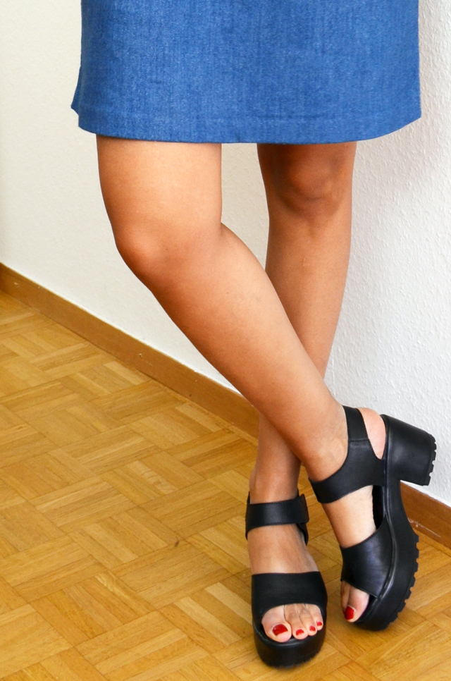 mercredie-blog-mode-geneve-robe-cos-denim-sandales-choies-black-cuir-leather-Block-Sandals