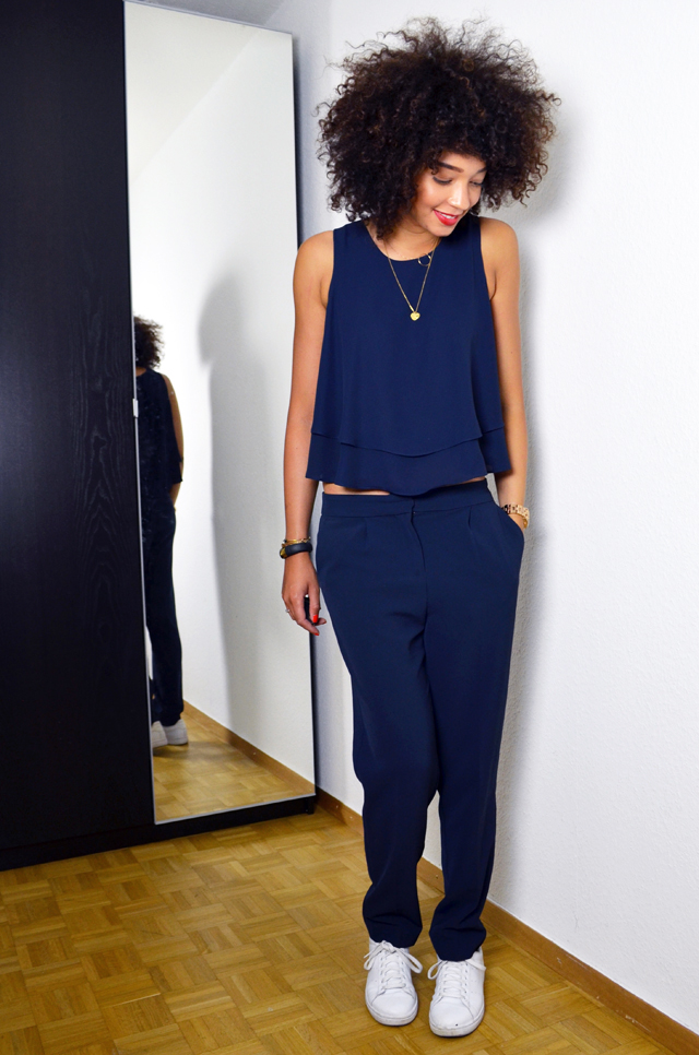 mercredie-blog-mode-uniforme-zara-2014-navy-bleu-marine-pantalon-stan-smith-white-blanches-adidas-afro-hair-nappy-naturels-cheveux2