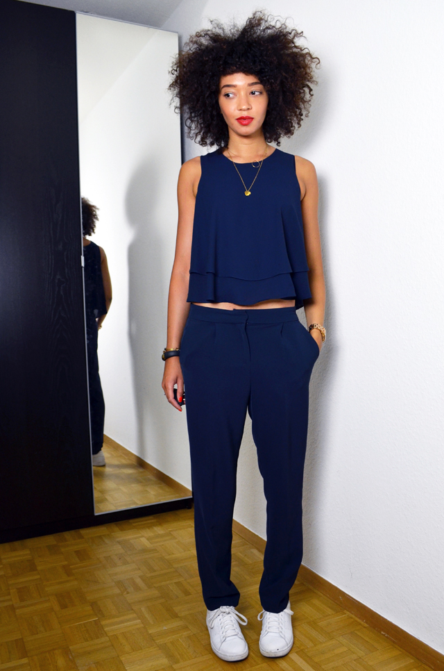 mercredie-blog-mode-uniforme-zara-2014-navy-bleu-marine-pantalon-stan-smith-white-blanches-adidas-afro-hair-nappy-naturels-cheveux3