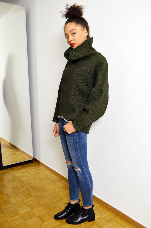 mercredie-blog-mode-pull-margaux-lonnberg-viktor-kaki-vert-jean-slim-and-other-stories-bun-cheveux-frises