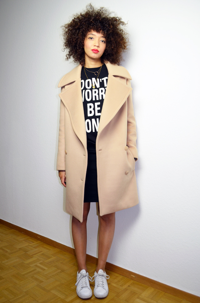 mercredie-blog-mode-geneve-sweat-shirt-sheinside-dont-worry-be-yonce-beyonce-curly-afro-natural-curls-hair-stan-smith-adidas-echarpe-h&m-manteau-oversized-boyfriend-camel-coat-beige-fiamma-stella-mc-cartney
