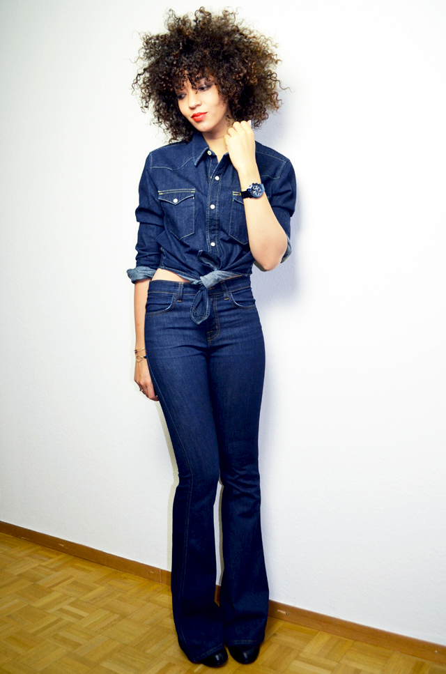 mercredie-blog-mode-guess-instant-bleu-montre-W0448L5-denim-total-look-lee-j-brand-dumbell-afro-hair-natural-nappy-curls-curly-cheveux-frises-boucles2