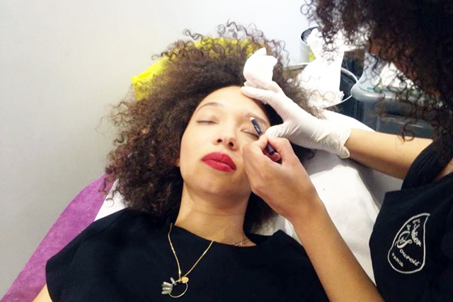 mercredie-blog-mode-beaute-tatouage-sourcils-atelier-du-sourcil-vaugirard-paris-15-75015-delphine-avis-test-pigmentation-semi-permanente