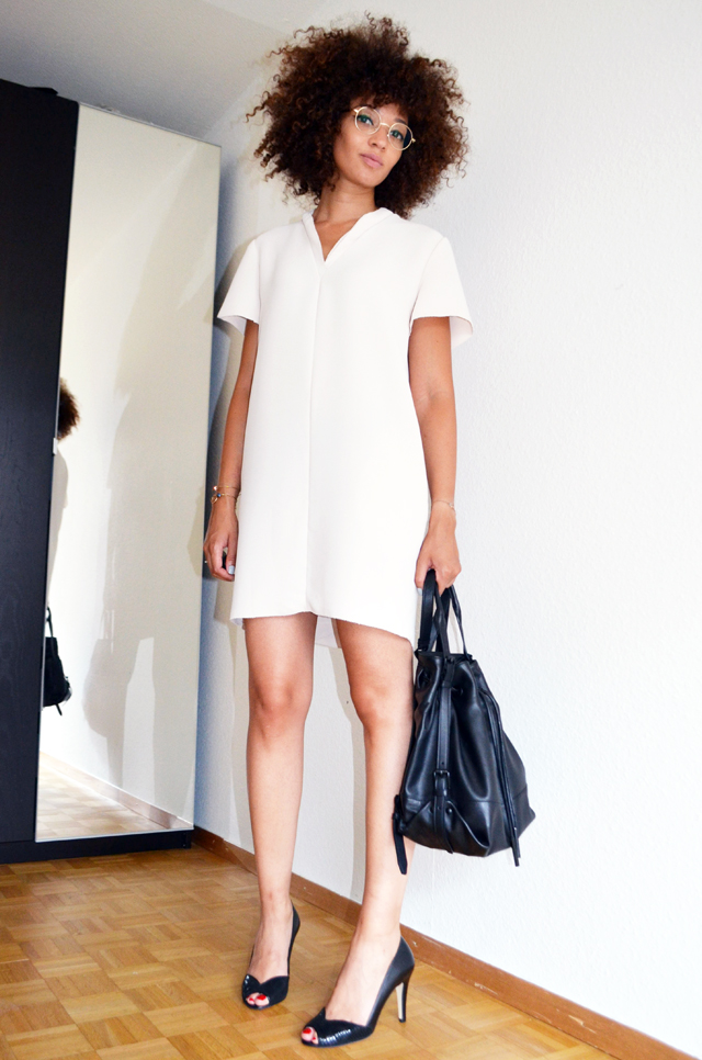 mercredie-blog-mode-geneve-robe-creme-other-stories-jonak-amiu-noir-firmoo-lunettes-opening-ceremony-izzy-backpack