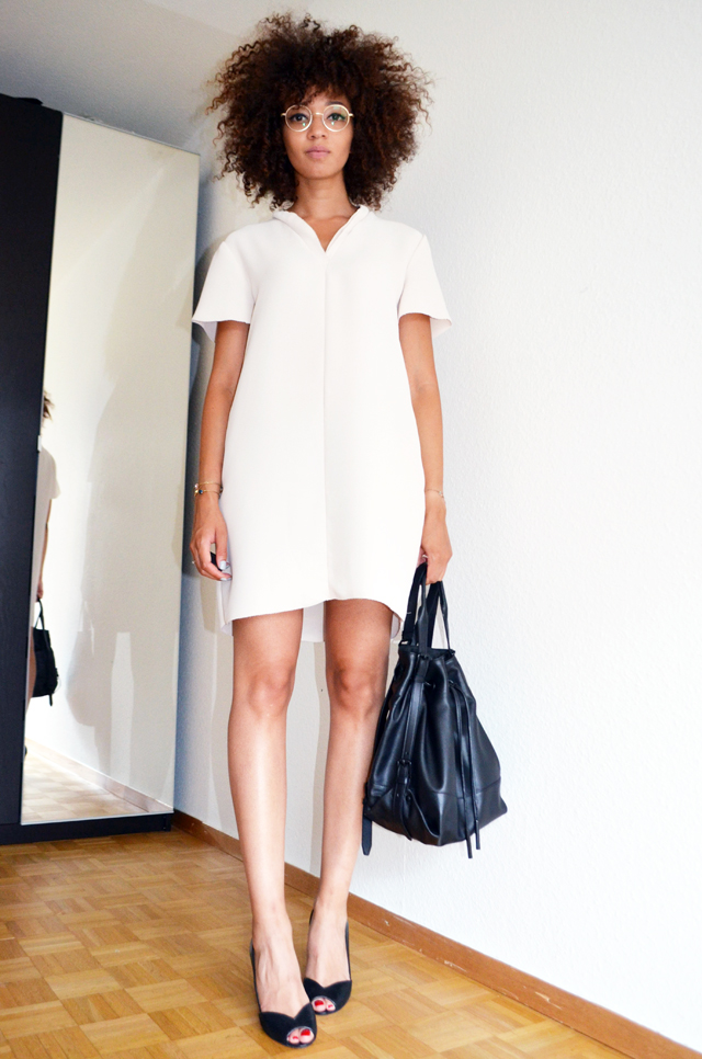 mercredie-blog-mode-geneve-robe-creme-other-stories-jonak-amiu-noir-firmoo-lunettes-opening-ceremony-izzy-backpack3