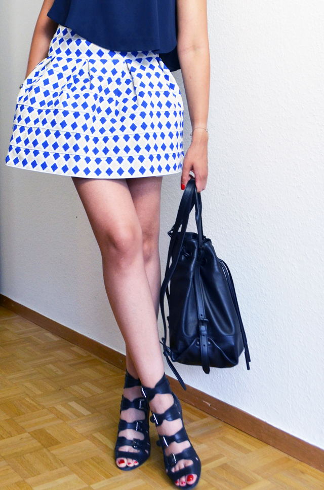mercredie-blog-mode-sandales-buckle-surface-to-air-jupe-rigide-lm-lulu-opening-ceremony-sac-a-dos-backpack-izzy