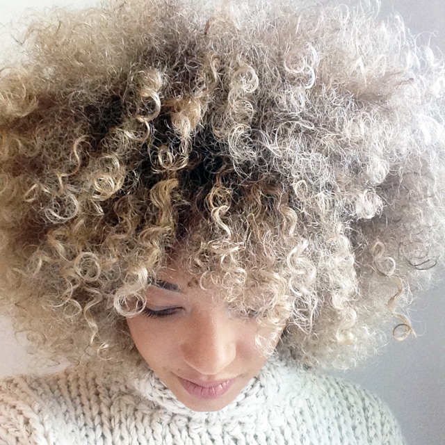 mercredie-blog-geneve-salon-coiffure-jennifer-tasset-chambery-couleur-cheveux-frises-naturels-afro-blonds-blonde-highlights-meches6