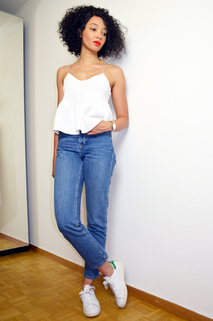 mercredie-blog-mode-suisse-geneve-jean-topshop-mom-straight-evelyn-lacewig-curly-bob-afro-hair-stan-smith2