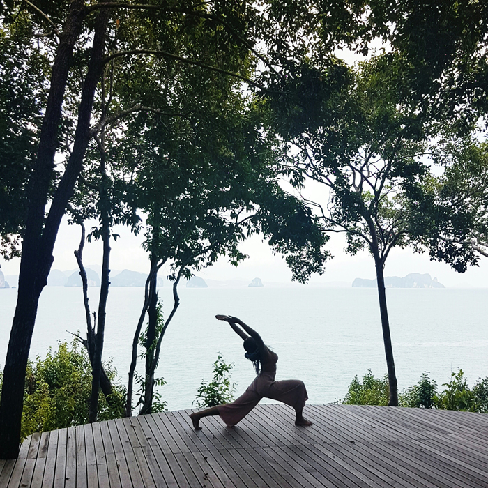 mercredie-blog-mode-thailande-travel-bloggeuse-voyage-piscine-yoga-lunge-sixe-senses