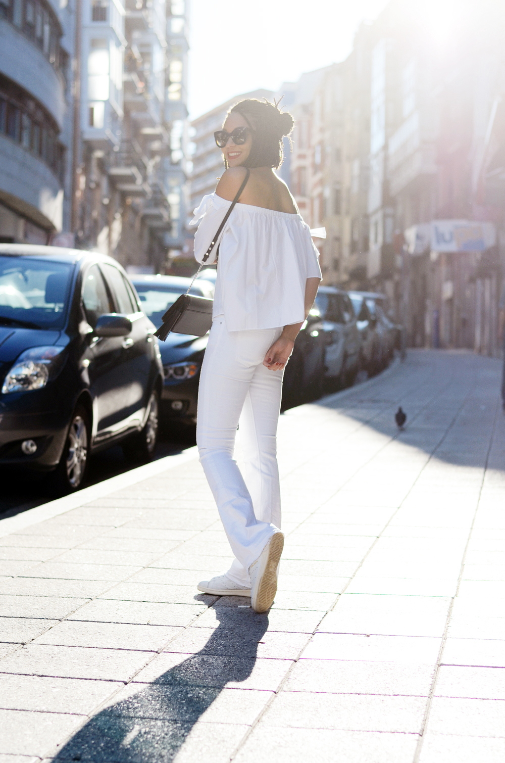 mercredie-blog-fashion-blogger-mode-geneve-suisse-santander-celine-marta-all-white-outfit-flare-elisabetta-franchetti-ceinture-kooples4