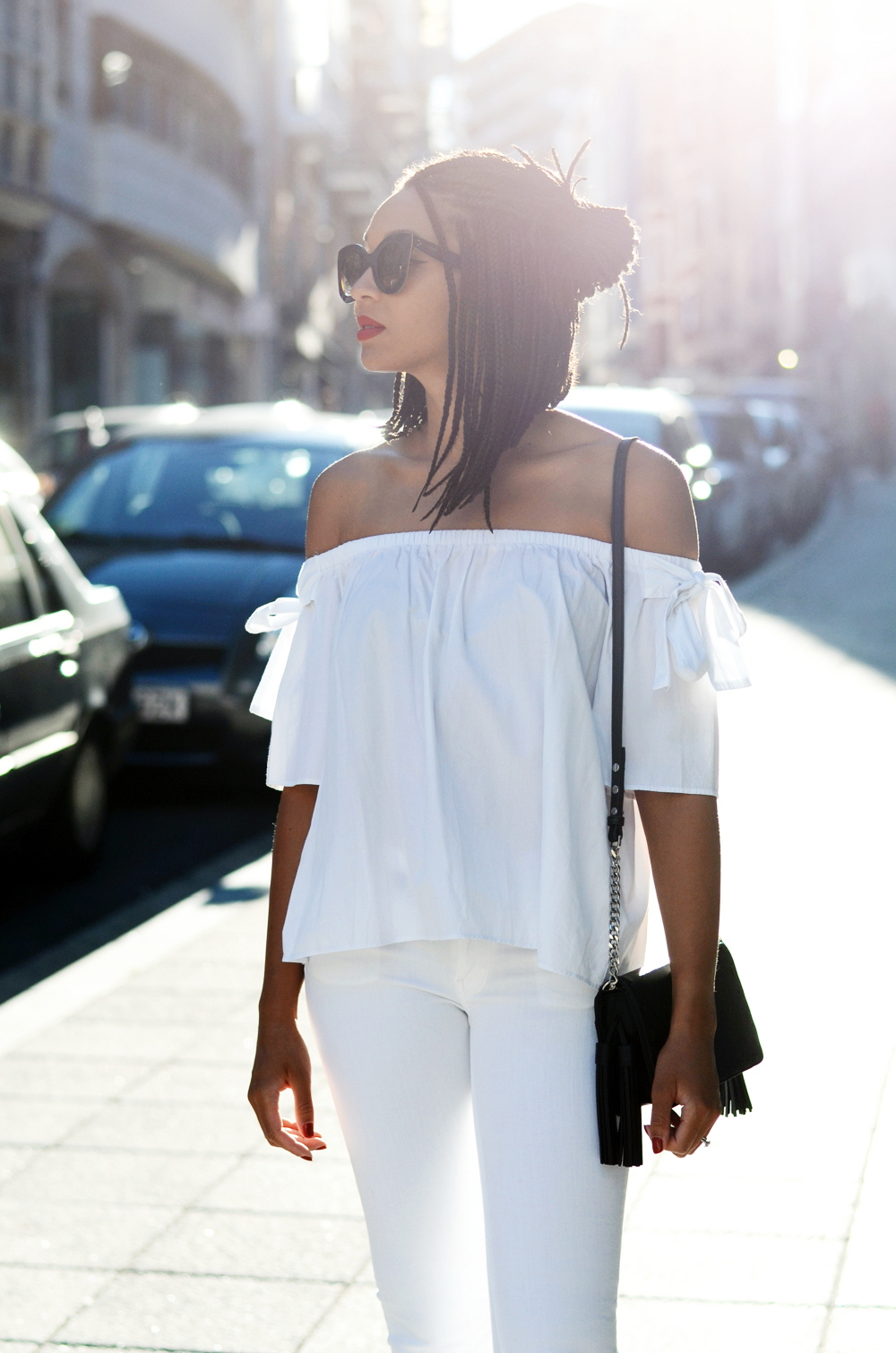 mercredie-blog-fashion-blogger-mode-geneve-suisse-santander-celine-marta-all-white-outfit-flare-elisabetta-franchetti-ceinture-kooples6