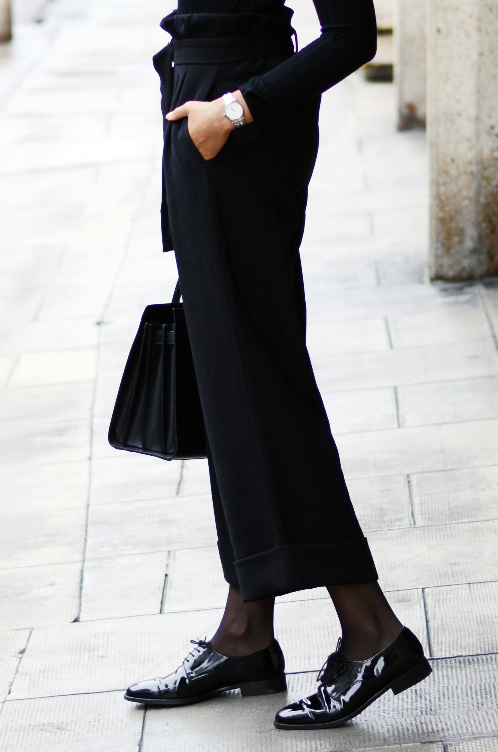 mercredie-blog-mode-geneve-suisse-fashion-blogger-all-black-outfit-chic-saint-laurent-sac-de-jour-black-matte-seiko-ultra-thin-ladies-quartz-sxb429p1-derbies-vernies-shoepassion-102