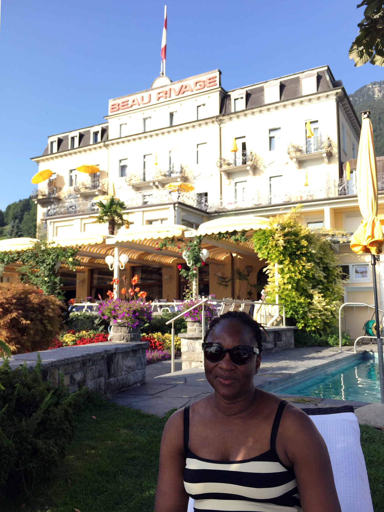 mercredie-blog-geneve-suisse-voyage-my-switzerland-grand-tour-roadtrip-europcar-accor-hotel-beau-rivage-weggis-lucerne-luzern-avis-review-piscine-pool-lake
