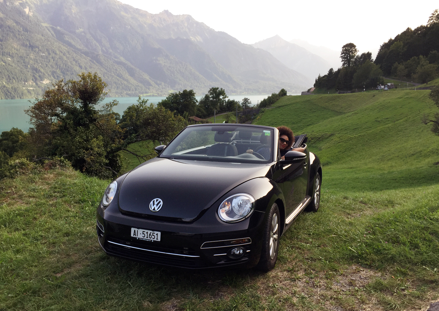 mercredie-blog-geneve-suisse-voyage-my-switzerland-grand-tour-roadtrip-europcar-accor-new-beetle-cabriolet-interlaken-decapotable