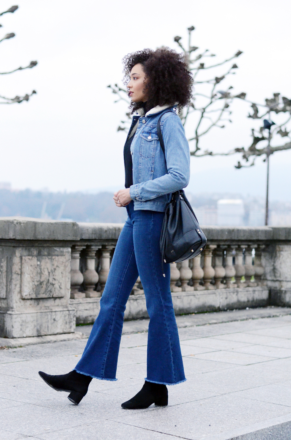 mercredie-blog-mode-geneve-suisse-blogueuse-bloggeuse-jean-flare-selected-sfena-aldo-stefi-boots-topshop-denim-jean-jacket-levis-turtle-neck-black10