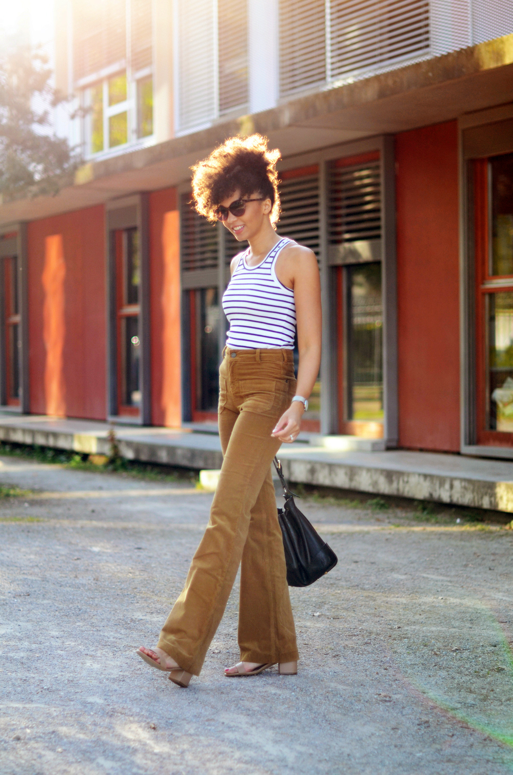 mercredie-blog-mode-geneve-suisse-blogueuse-bloggeuse-optic2000-lunettes-de-soleil-MAUI-JIM-natural-hair-frohawk-pantalon-vanessa-bruno-flare-Dompay