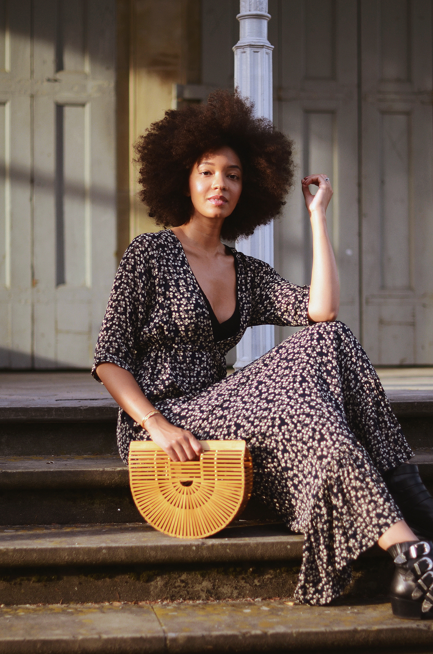 mercredie-blog-mode-geneve-blogueuse-bloggeuse-suisse-swiss-switzerland-robe-ganni-dress-cult-gaia-bag-small-toga-pulla-boots-buckled-afro-hair-nappy-curly-curls-big-fro-cheveux-frises3