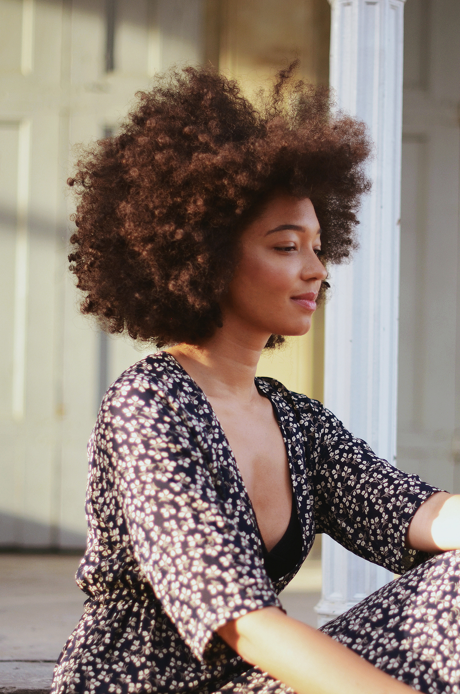 mercredie-blog-mode-geneve-blogueuse-bloggeuse-suisse-swiss-switzerland-robe-ganni-dress-floral-afro-hair-nappy-curly-curls-big-cheveux-frises